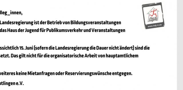 Screenshot des Aushangs: Liebe Gäste, liebe Kolleg_innen, laut verordnung der landesregierung ist der betrieb von Bildungsveranstaltungen geschlossen. ...